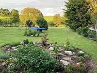 Zahrada - pronájem chalupy Nové Kestřany