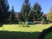Zahrada / bez vstupního oplocení/ - chalupa ubytování Nové Kestřany