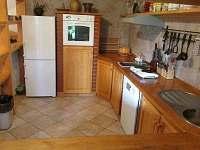 Plně vybavená kuchyně - přízemí