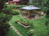Altánek na zahradě - chata ubytování Malý Ratmírov