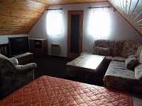 Podkroví - pronájem chaty Čeraz