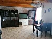 Obývací pokoj s televizí - Lipno nad Vltavou - Slupečná