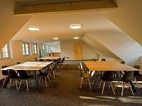 konferenční místnost & dětská herna - chalupa k pronájmu Velké Nepodřice