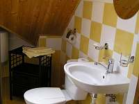 žlutá koupelna