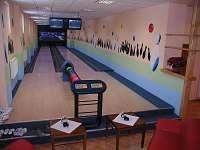 dvě bowlingové dráhy