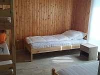ložnice se čtyřmi lůžky - pronájem chaty Neznašov
