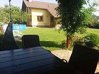 Pergola v zahradě - chalupa ubytování Číměř