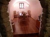 Jídelna v přízemí - apartmán k pronájmu Blažejov