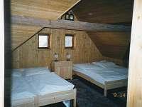 Podkrovní ložnice nad hospůdkou - chalupa k pronajmutí Olší