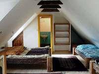 Žlutý pokoj velký apartmán - chalupa k pronajmutí Modletice