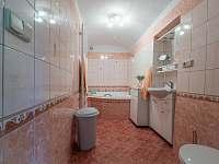Koupelna - pronájem chalupy Vlčetínec
