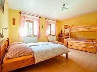 Menší ložnice - chalupa k pronájmu Vlčetínec