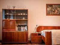 Větší ložnice - chalupa k pronajmutí Vlčetínec