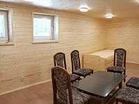 multifunkční místnost na relaxaci po sauně, ping pong a rezervní ložnice pro 4 - Landštejn
