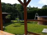 Pohled z pergoly - chata ubytování Frahelž - Lomnice nad Lužnicí