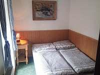 1.ložnice - chalupa ubytování Malčice