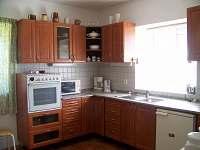 kuchyně - linka se zařízením