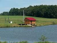stanice vodního lyžování na rybníku