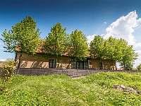 Hlavní terasa s nádherným výhledem - chalupa k pronajmutí Chmelná 3