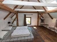 Panský apartmán - 8 osob, vlastní vybavená kuchyně,koupelna, litinová kamna - Chmelná 3