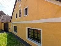 Rezidence je stará 150 let a je nově zrekonstruovaná - chalupa ubytování Chmelná 3
