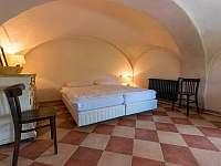 Selský apartmán - 8 osob - vlastní vybavená kuchyně, koupelna a litinová kamna - chalupa k pronajmutí Chmelná 3