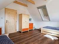 ložnice 1 podkroví - roubenka k pronajmutí Římov - Dolní Stropnice