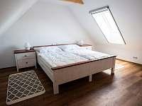 ložnice 2 podkroví - Římov - Dolní Stropnice