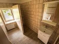 koupelna v dolní části objektu