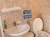 společná koupelna pro chatky