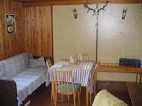 Obývák - chata k pronájmu Kunžak