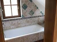 Koupelna s vanou v patře - Varvažov