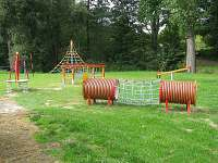 dětské hřiště poblíž chaty