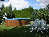 bazén - pronájem chalupy Opařany