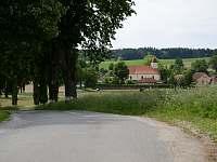 Pohled od vily na obec - pronájem vily Popelín