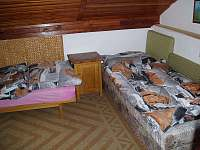 první ložnice - chata k pronájmu Ševětín Dudenský rybník