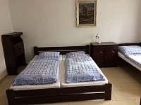 pokoj dole v pravo - chalupa ubytování Bechyně