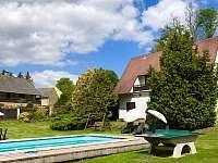 Dům a bazén - chalupa ubytování Květov