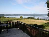 Výhled na Lipno z terasy - chalupa k pronajmutí Kovářov