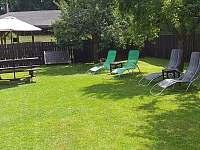Odpočinek na zahradě - Roudná