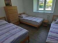 Apartmán II 3.lůžkový pokoj - pronájem chalupy Strmilov