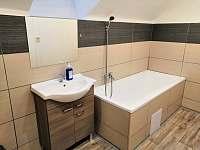 III.Apartmán koupelna - Strmilov