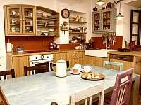 Kuchyň - chalupa k pronájmu Sumrakov