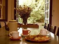 Výhled z kuchyně - pronájem chalupy Sumrakov