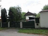 Ubytování Kubínovi_Domanín_ Chata pohled od příjezdu