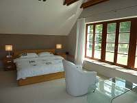 Ložnice pro 2-4 osoby - chalupa ubytování Lhenice