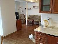 pohled z kuchyně do obýváku - Netolice