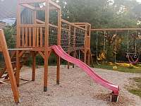 Dětské hřiště - horní zahrada