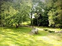 Dolní zahrada - chalupa k pronájmu Blato u Nové Bystřice - Česká Kanada