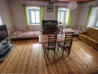 Apartmán 1 - spol. místnost + přistýlky - Jilem